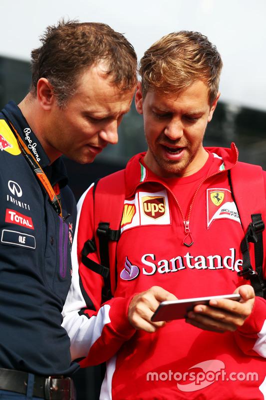 Ole Schack, Red Bull Racing Mechanic bersama Sebastian Vettel, Ferrari
