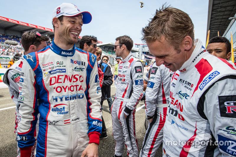 #2 Toyota Racing, Toyota TS040 Hybrid: Alexander Wurz und #22 Nissan Motorsports, Nissan GT-R LM NISMO: Michael Krumm