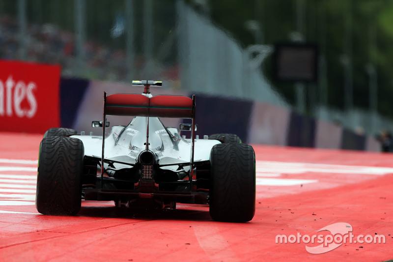 Ніко Росберг, Mercedes AMG F1 W06 широко заїхав