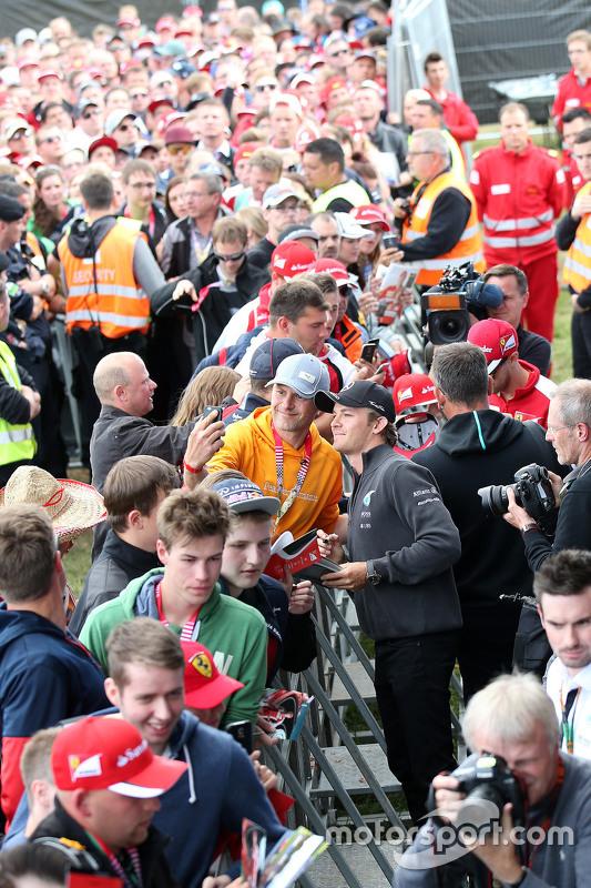 Nico Rosberg, Mercedes AMG F1, mit Fans