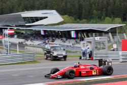 Gerhard Berger, Ferrari F1/87-88C, bei der Legendenparade