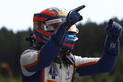 1. Oscar Tunjo, Trident feiert seinen Sieg im Parc Fermé