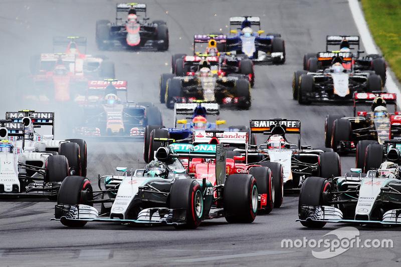 Start: Nico Rosberg, Mercedes AMG F1 Team, in Führung