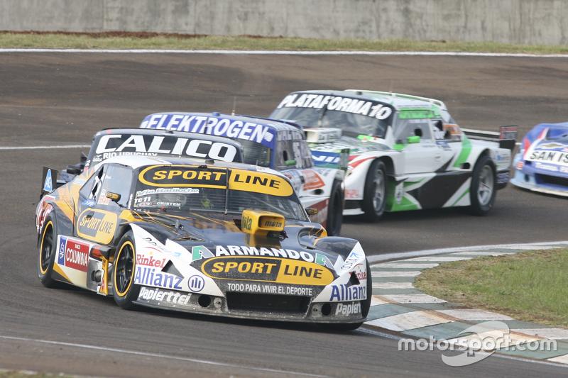 Leonel Pernia, Las Toscas Racing, Chevrolet; Emanuel Moriatis, Alifraco Sport, Ford, und Santiago Mangoni, Laboritto Jrs, Torino