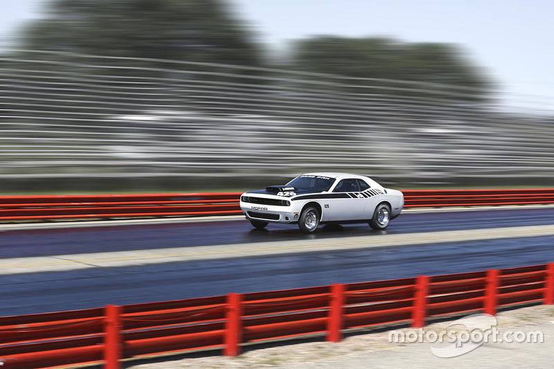 Mopar announces new engine packages для sportsman class racers