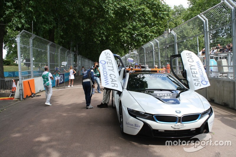 BMW i8 Safety-Car