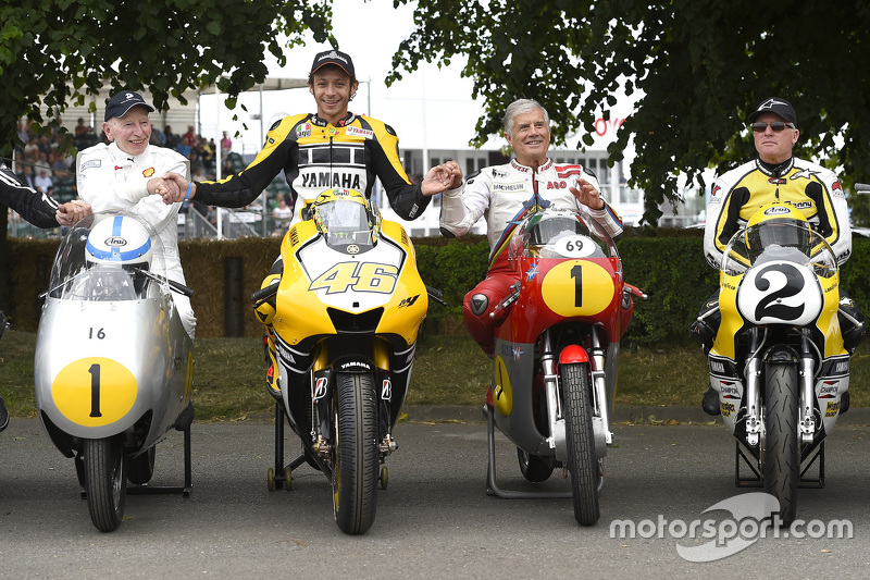 John Surtees та Валентіно Россі, Yamaha Factory Racing та Giacomo Agostini та Kenny Roberts
