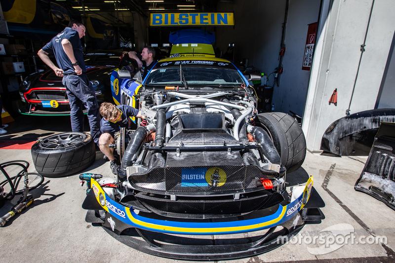 #7 Aston Martin Racing Aston Martin Vantage GT3