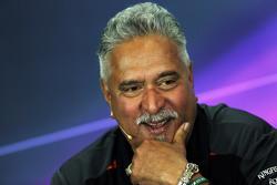 Виджей Малья, владелец команды Sahara Force India F1 Team на пресс-конференции FIA