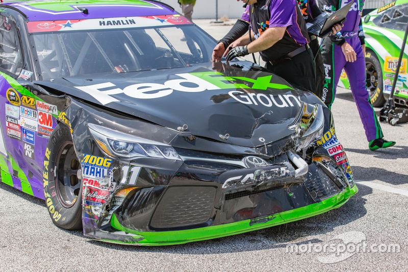 Kerusakan mobil Denny Hamlin, Joe Gibbs Racing Toyota