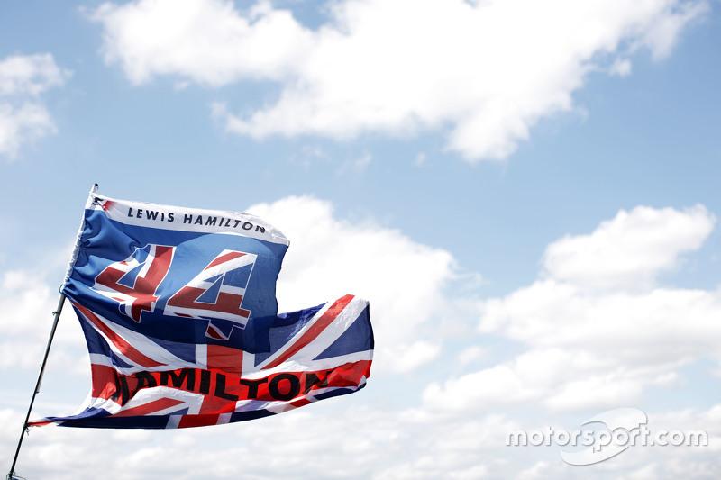 Lewis Hamilton, Mercedes AMG F1 flags