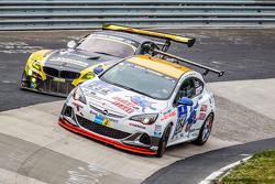 #254 Team Flying Horse, Opel Astra OPC Cup: Raphael Hundeborn, Winfried Assmann, Ronja Assmann
