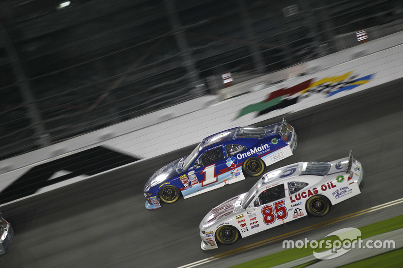 Bobby Gerhart dan Elliott Sadler, Roush Fenway Racing Ford