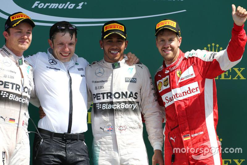 Podium: 2. Nico Rosberg, 1. Lewis Hamilton, Mercedes AMG F1 Team, und 3. Sebastian Vettel, Scuderia