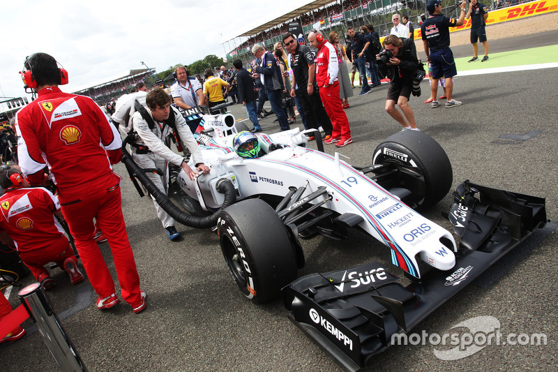 Felipe Massa, Williams FW37 on the grid