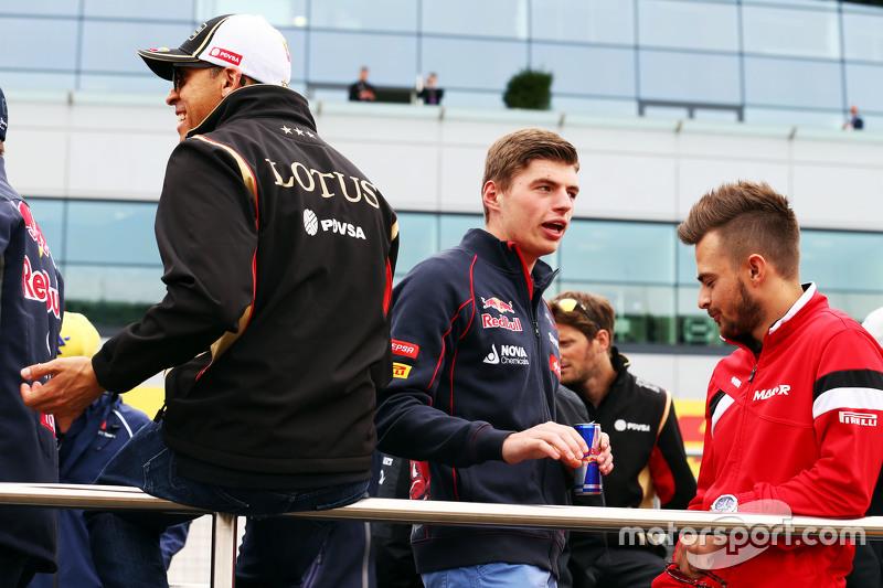 Pastor Maldonado, Lotus F1 Team with Max Verstappen, Scuderia Toro Rosso and Will Stevens, Manor F1 Team on the drivers parade
