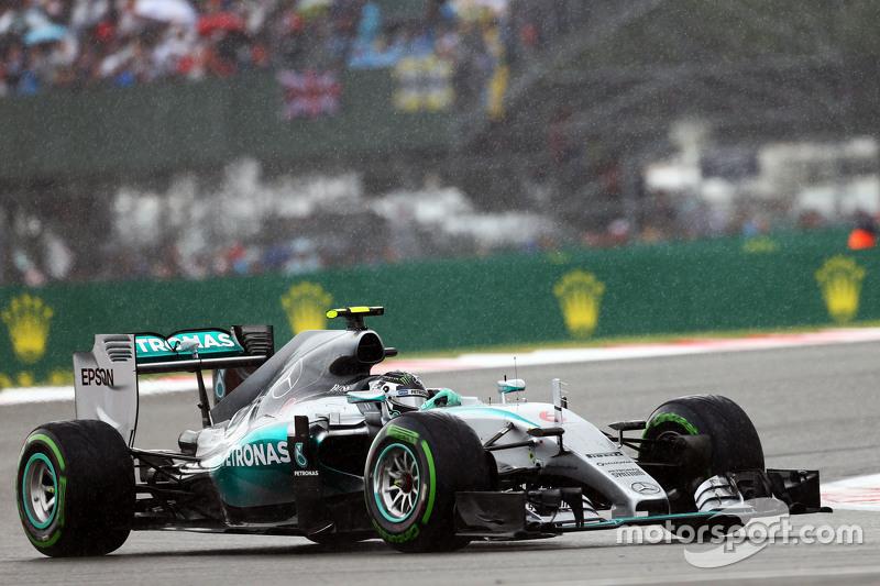 Ніко Росберг, Mercedes AMG F1 W06 під дощем.