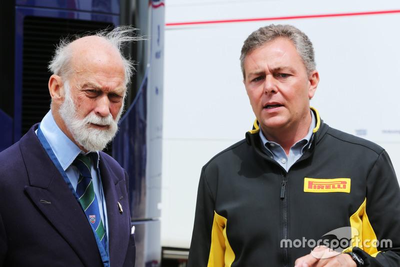(Kiri ke Kanan): HRH Prince Michael of Kent, dengan Mario Isola, Pirelli Racing Manager