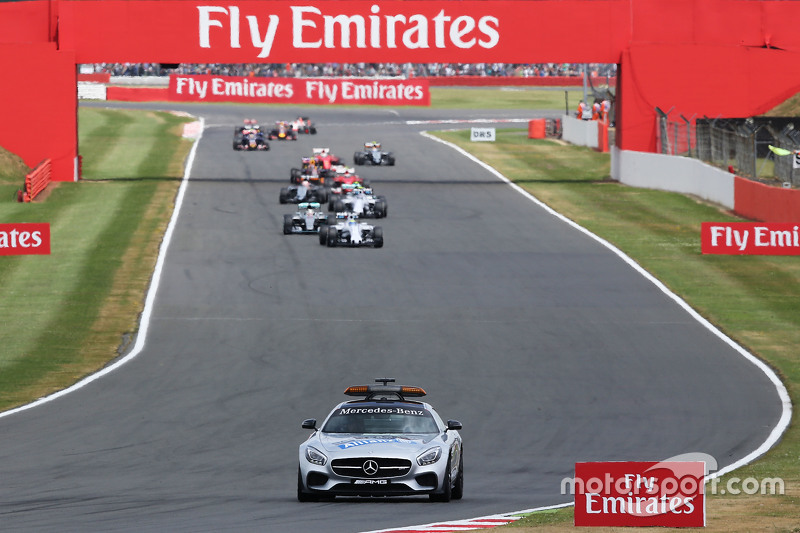 Felipe Massa, Williams FW37 leads behind the FIA Safety Car