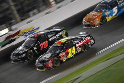 Martin Truex Jr., Furniture Row Racing Chevrolet and Jeff Gordon, Hendrick Motorsports Chevrolet