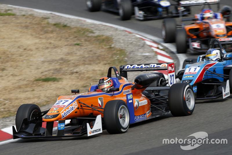 Mikkel Jensen, Mücke Motorsport Dallara Mercedes-Benz, dan Fabian Schiller, Team West-Tec F3 Dallara