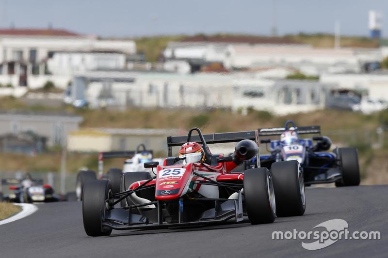 Lance Stroll, Prema Powerteam Dallara Mercedes-Benz and George Russell, Carlin Dallara Volkswagen