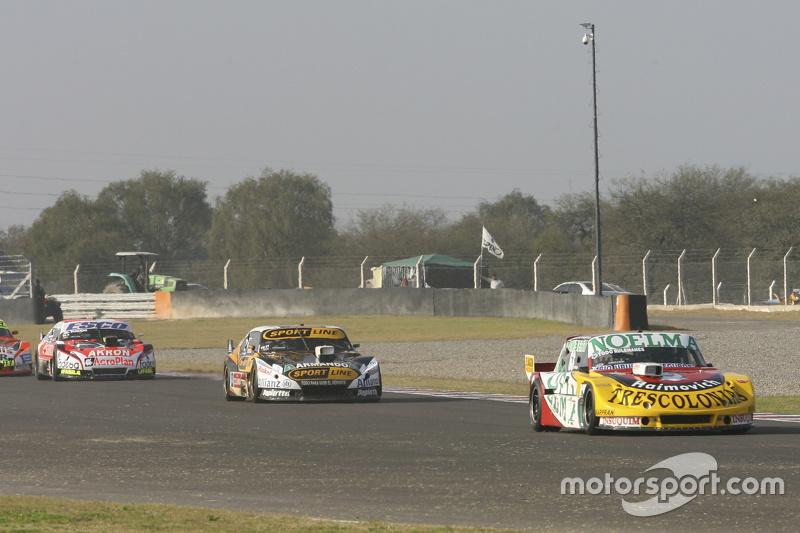 Ніколас Бонеллі, Bonelli Competicion Ford та Леонель Пернія, Las Toscas Racing Chevrolet та Гільєрмо