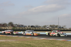 Carlos Okulovich, Maquin Parts Racing Torino dan Lionel Ugalde , Ugalde Competicion Ford dan Guillermo Ortelli, JP Racing Chevrolet