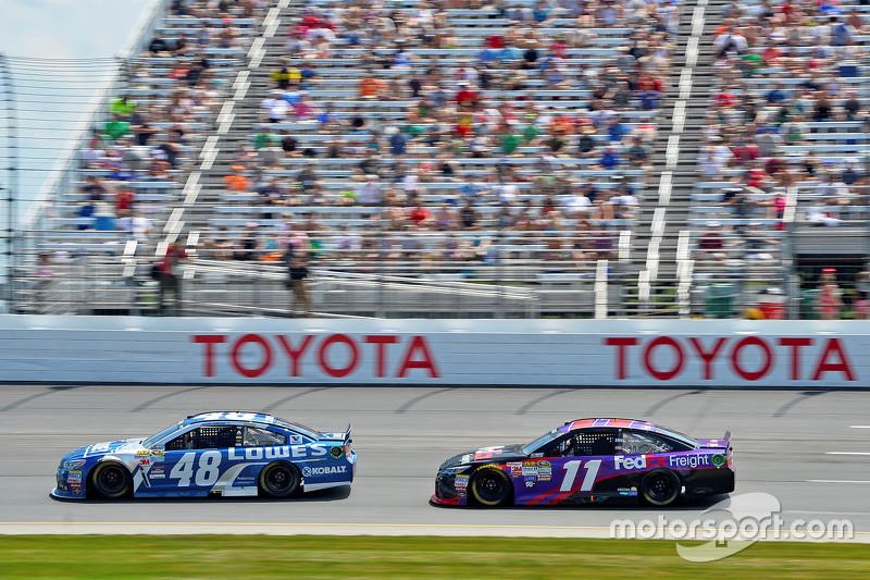 Jimmie Johnson, Hendrick Motorsports Chevrolet and Denny Hamlin, Joe Gibbs Racing Toyota