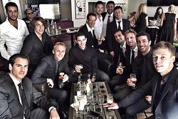 Pilotos celebran la vida de Jules Bianchi después de su funeral: Adrian Sutil, Roberto Mehri, Max Chilton, Alexander Rossi, Alexander Wurz, Allan McNish, Pedro de la Rosa, Jenson Button, Daniel Ricciardo, Daniil Kvyat