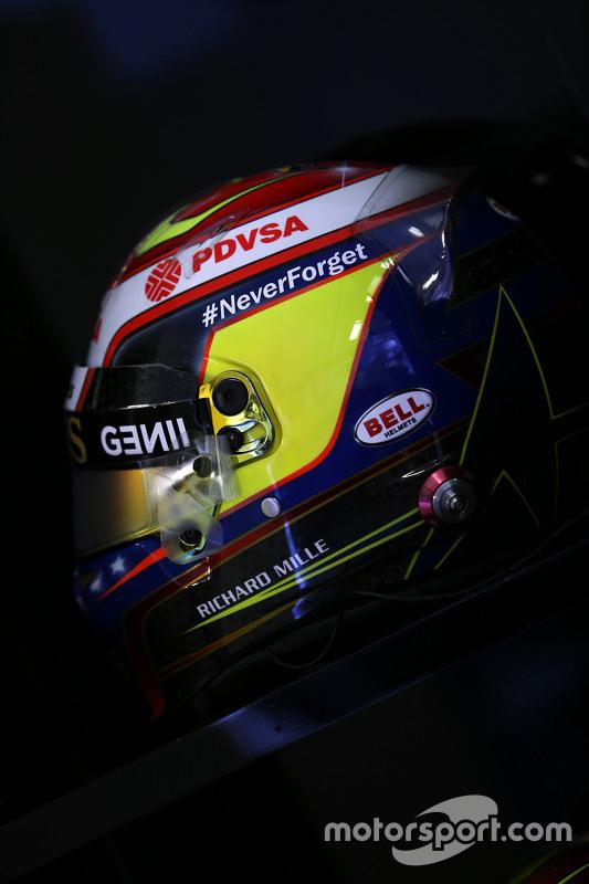 Helm tribut Pastor Maldonado, Lotus F1 Team untuk Jules Bianchi