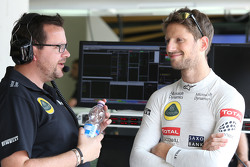 Ingenieur Julien Simon-Chautemps en Romain Grosjean, Lotus F1 Team