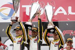 Podium : les vainqueurs Markus Palttala, Nicky Catsburg, Lucas Luhr, Marc VDS Racing Team