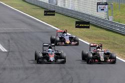 Фернандо Алонсо , McLaren Honda та Пастор Мальдонадо, Lotus F1 Team
