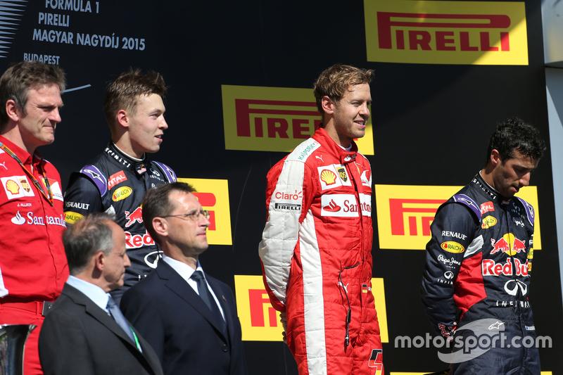 Daniil Kvyat, Red Bull Racing, Sebastian Vettel, Scuderia Ferrari and Daniel Ricciardo, Red Bull Racing