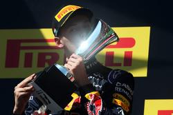 Даниил Квят, Red Bull Racing празднует второе место на подиуме