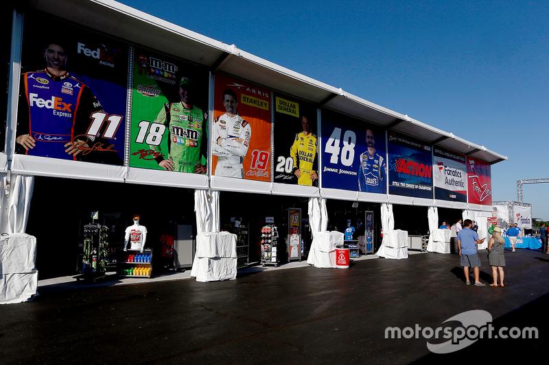 NASCAR Trackside Superstore baru
