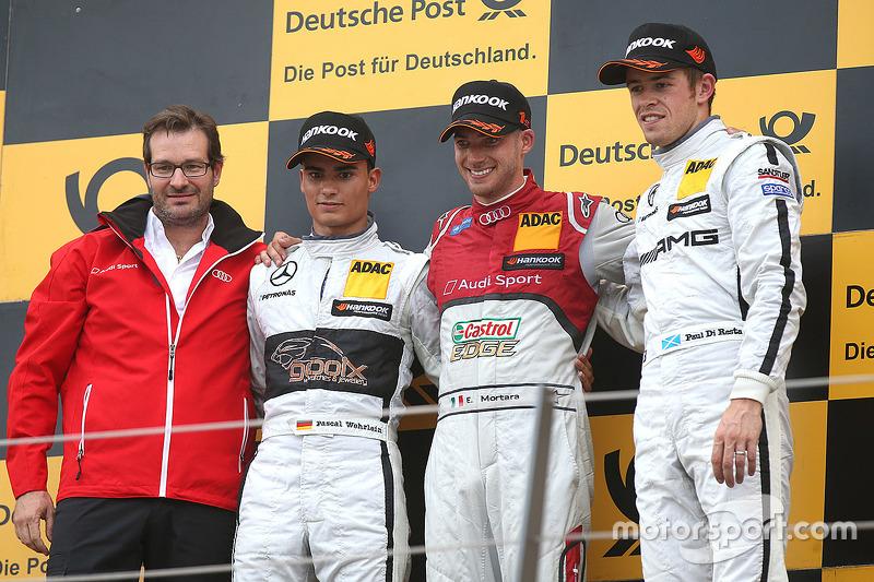 Подіум: переможець Мігель Моліна, Audi Sport Team Abt, друге місце Паскаль Верляйн, HWA AG Mercedes,