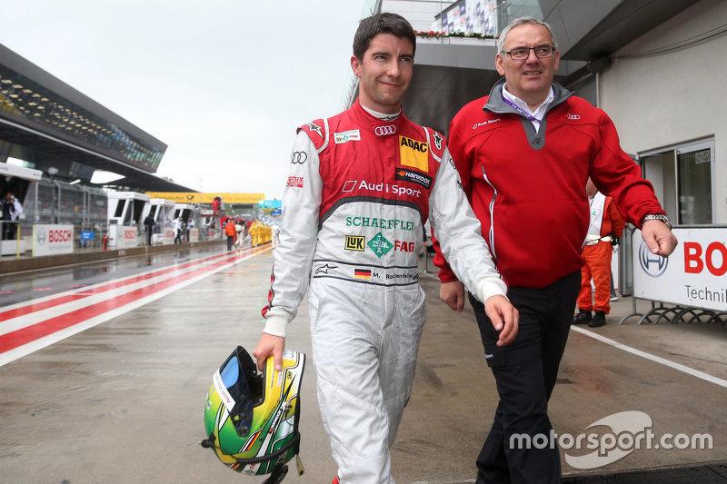Майк Роккенфеллер з Юрген Юнгклаус, технічний директор Audi Sport Team Phoenix Audi RS 5 DTM