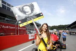 La fidanzata di Antonio Giovinazzi, Jagonya Ayam with Carlin Dallara Volkswagen