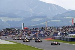 Start: Felix Rosenqvist, Prema Powerteam Dallara Mercedes-Benz taking the lead
