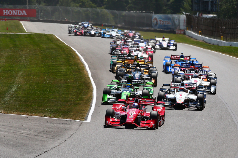 Start: Scott Dixon, Chip Ganassi Racing Chevrolet memimpin