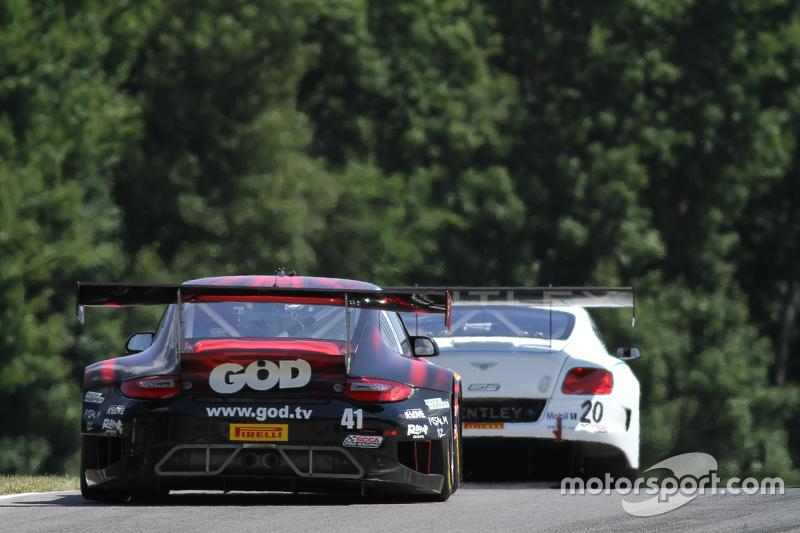 #41 EFFORT Racing Porsche 911 GT3R: Michael Lewis