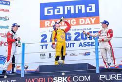 Подиум: Укио Сасахара, ART, второй, Дрис Вантхор, Josef Kaufmann Racing, победитель и Кевин Йорг, Josef Kaufmann Racing, третий