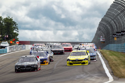 Start: Joey Logano, Team Penske Ford memimpin