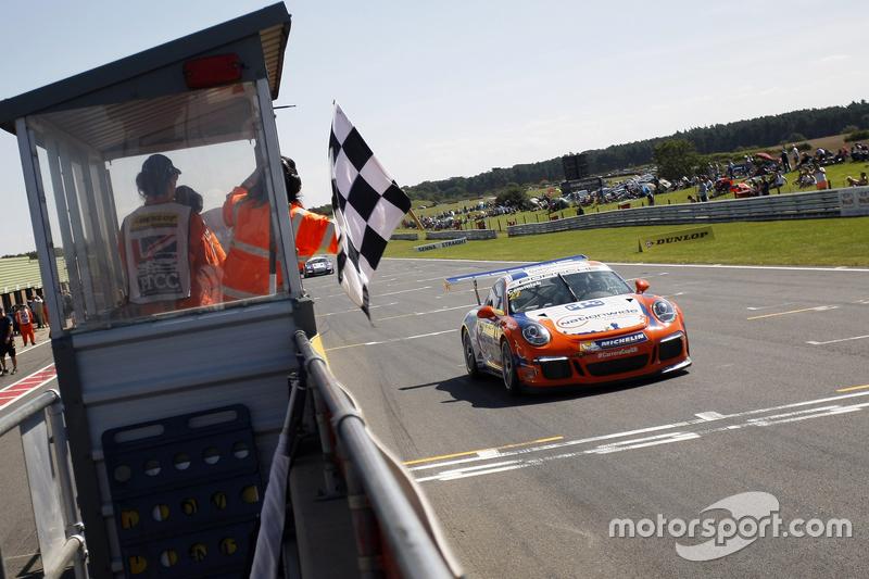 Carrera Cup Inggris: Snetterton