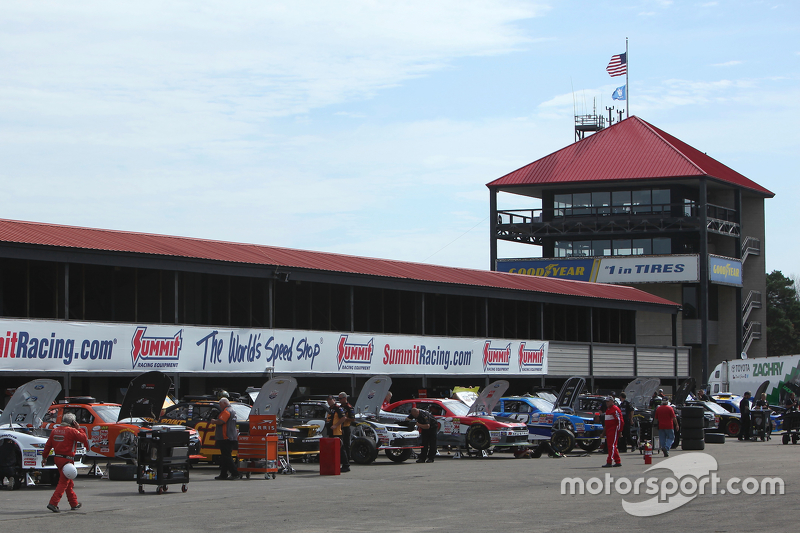 Mid-Ohio garage area