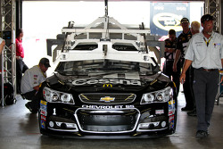 Jamie McMurray, Chip Ganassi Racing Chevrolet goes through tech inspection