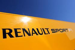 Грузовик Renault Sport
