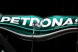Nova asa traseira da Mercedes